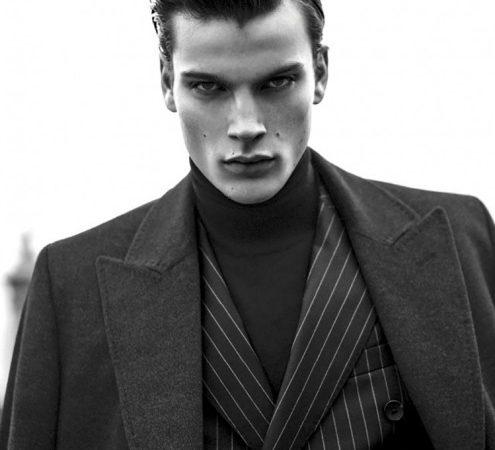 Cinquante façons de porter un costume noir classique
